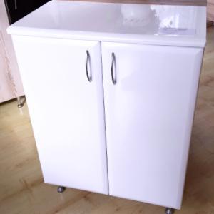 Fürdőszobabútor (szélesség: 60cm, 25.500,-Ft)
