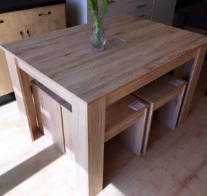 Étkezőgarnitúra (1db asztal + 4db ülőke, méret: 120x85cm, 65.330,-Ft)